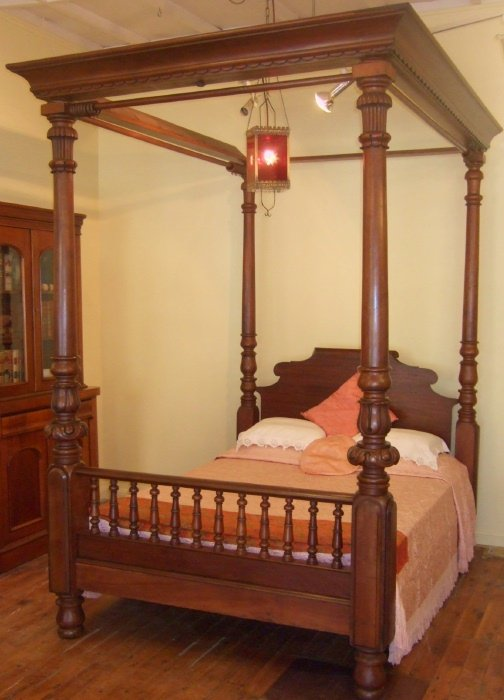 Large Amp Impressive Colonial Cedar 4 Poster Bed The
