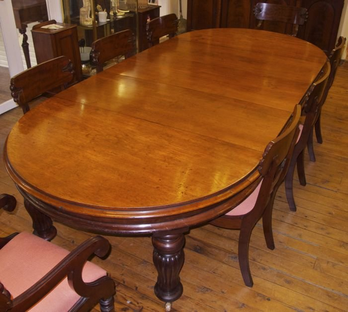 Antique Australian Cedar Banquet or Dining Table The  : antique3050img6371 from www.merchantofwelby.com.au size 700 x 629 jpeg 69kB