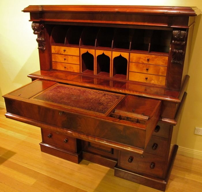 mid 19th century australian cedar writing bureau desk the merchant of welby. Black Bedroom Furniture Sets. Home Design Ideas
