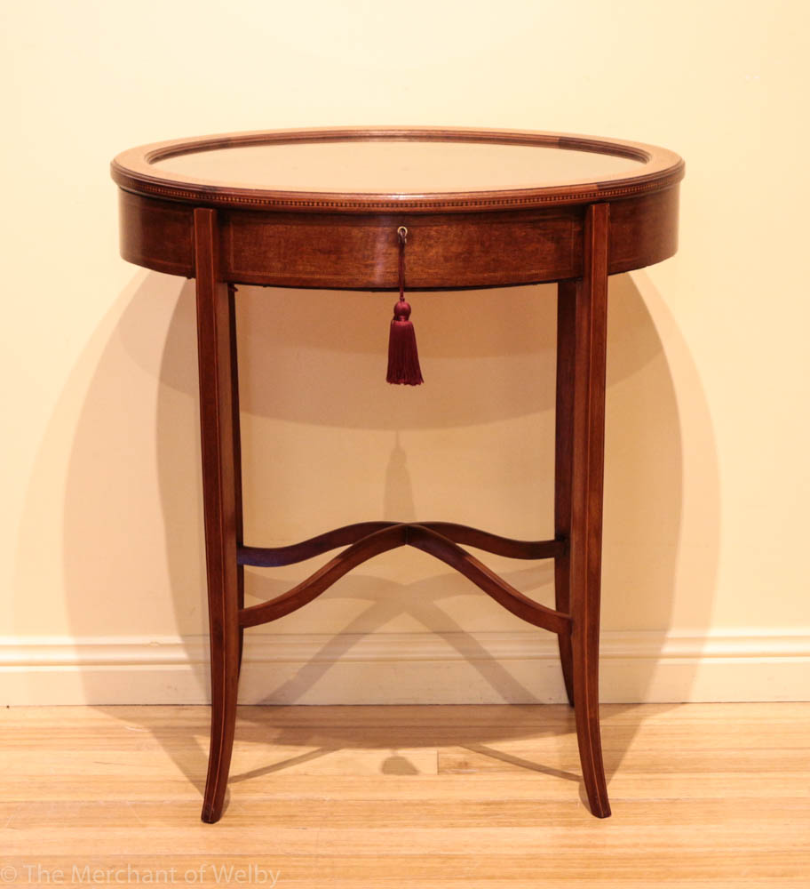 Edwardian walnut vitrine display table the merchant of for Table vitrine